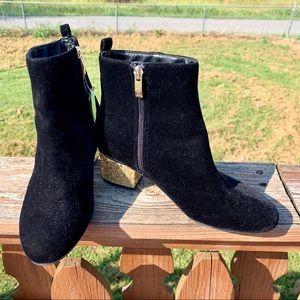 Liz Claiborne Black Ankle Boots W/ Gold NWOT 👢